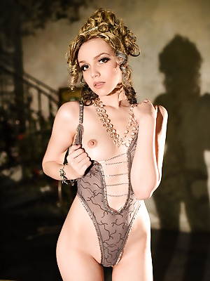Showy Beauty  Lily  Erotic, Softcore, Solo